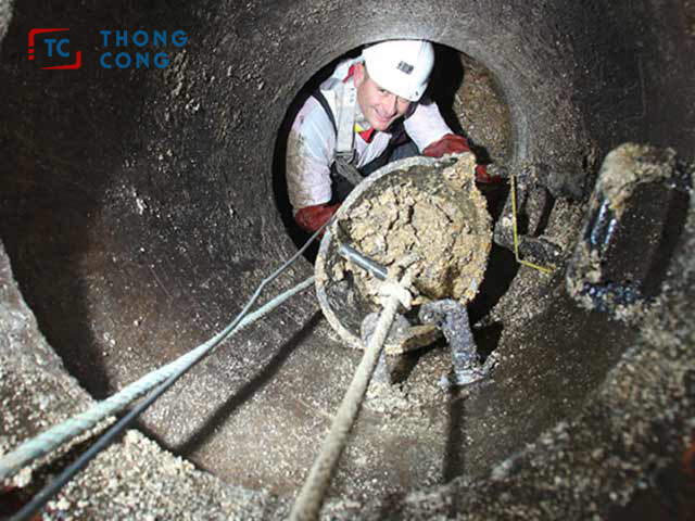 Tắc đường ống do mỡ thừa tích tụ lại